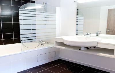 Panorama-Lourdes-Bathroom-3-203983.jpg