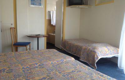 Le_Moderne-Menton-Triple_room-204602.jpg