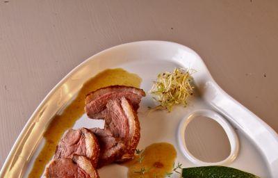 Le_Lascaux-Montignac-Hotel_kitchen-204762.jpg