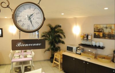 Sejours_Affaires_Paris_Malakoff_Apparthotel-Malakoff-Breakfast_room-1-205205.jpg