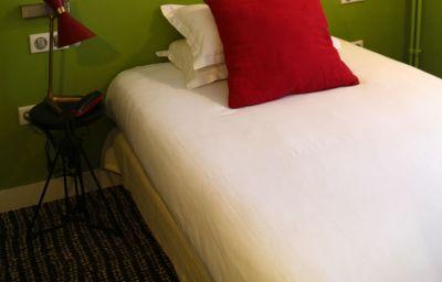 Trois_Poussins-Paris-Single_room_standard-3-208475.jpg