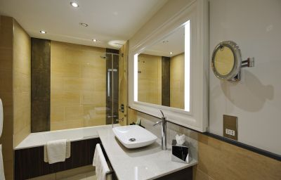Grosvenor_Pulford_Hotel_Spa-Chester-Bathroom-1-211664.jpg