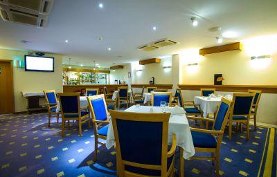 Bar del hotel Angra Garden