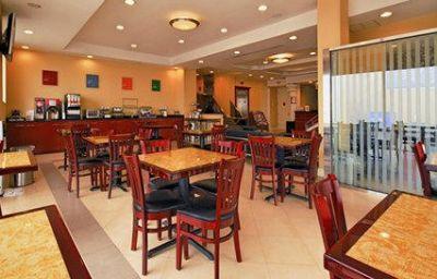 Comfort_Inn_Suites_LaGuardia_Airport-New_York-Interior_view-3-215150.jpg