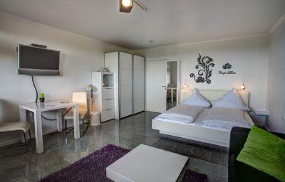 Ferienpark_Rhein-Lahn_Aparthotel-Lahnstein-Room-11-215702.jpg