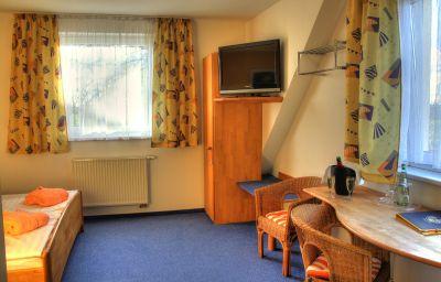 Hermann_Land-gut-Hotel-Bentwisch-Double_room_standard-215705.jpg
