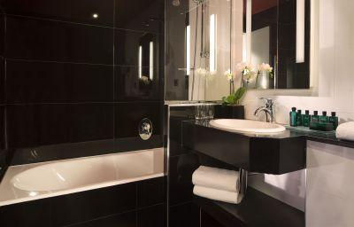Le_Belmont-Paris-Bathroom-215866.jpg