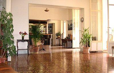 Victoria-Draguignan-Hotel_bar-3-216097.jpg