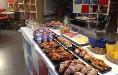 Bufet de desayuno Domus Expo