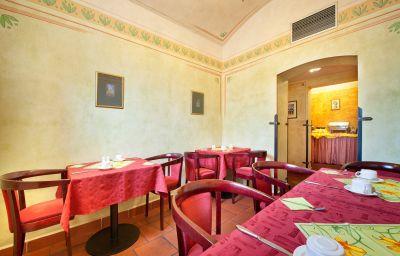 EA_Jeleni_Dvur-Prague-Breakfast_room-3-217362.jpg