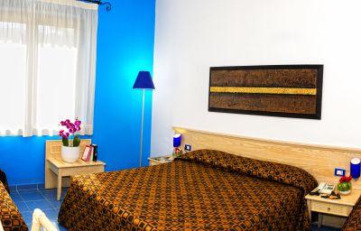 La_Battigia-Alcamo-Four-bed_room-1-220414.jpg