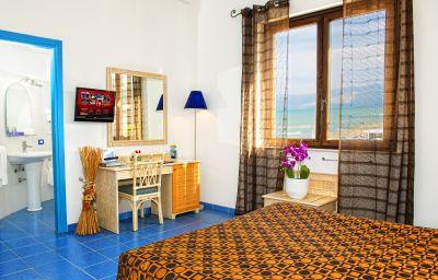 Double room (standard) La Battigia