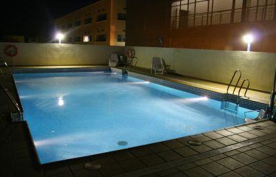 Lux_Sevilla_Apartamentos-Seville-Pool-1-220773.jpg