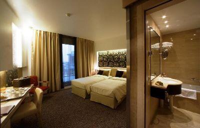 Room Antony Palace