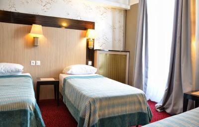 Auberge_du_Cheval_Blanc-Jossigny-Triple_room-2-221562.jpg
