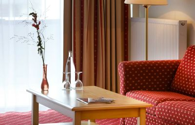Mercure_Hotel_Chateau_Berlin_am_Kurfuerstendamm-Berlin-Room-16-221570.jpg