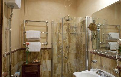Residenza_Palazzo_Visdomini-Pietrasanta-Bathroom-221639.jpg