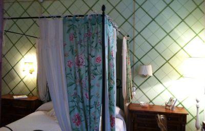 Residenza_Palazzo_Visdomini-Pietrasanta-Double_room_standard-2-221639.jpg