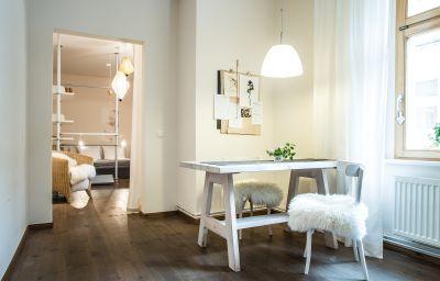 Schoenhouse_Apartments-Berlin-Apartment-9-221769.jpg