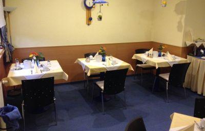 Tannenblick-Bad_Vilbel-Breakfast_room-3-222110.jpg