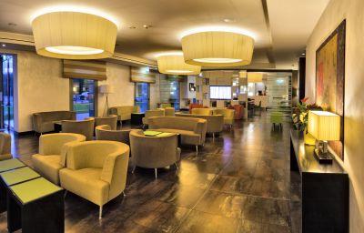Hotel bar Cruise