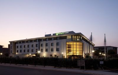 Holiday_Inn_Express_TOULOUSE_AIRPORT-Toulouse-Exterior_view-3-223136.jpg