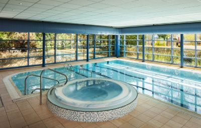 Park_Inn_By_Radisson-Northampton-Pool-223332.jpg