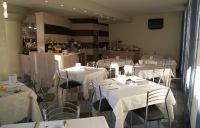 CDH_My_One_Hotel_La_Spezia-La_Spezia-Breakfast_room-1-223691.jpg