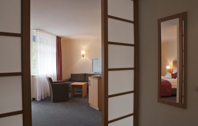 Ambassador-Grasbrunn-Room-10-223712.jpg