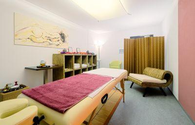 Acantus-Weisendorf-Massage_room-250268.jpg
