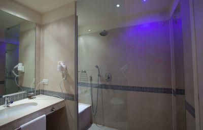 Prestige_Hotel_Motel-Grugliasco-Bathroom-4-251733.jpg