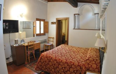 Four-bed room City Florence (Firenze)
