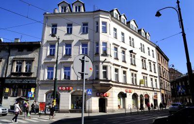 Kosmopolita_Guest_Rooms-Krakow-Exterior_view-2-252014.jpg