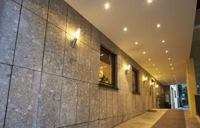 GHOTEL_hotel_living_M-Nymphenburg-Munich-Exterior_view-2-252027.jpg