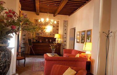 Villa_San_Filippo-Barberino_Val_dElsa-Hotelhalle-252103.jpg