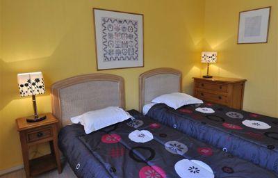 ResidHotel_Villa_Maupassant_Residence_de_Tourisme-Cannes-Family_room-1-254555.jpg