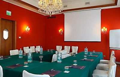 La_Meridiana-Mogliano_Veneto-Conference_room-1-254557.jpg
