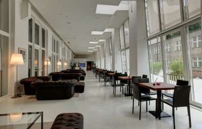 Ellington-Berlin-Hotel-Bar-6-254755.jpg