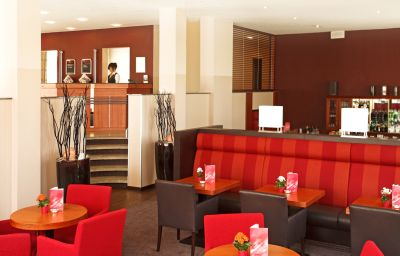 Reception H+ Hotel Solingen City Centre B&B