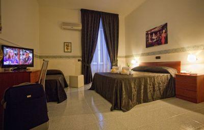 Vergilius_Billia-Naples-Room-6-255127.jpg