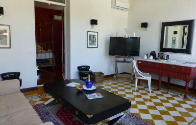 La_Villa_Mauresque-Saint-Raphael-Junior_suite-6-256575.jpg