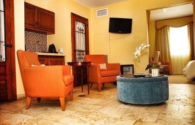 Impala-Miami_Beach-Suite-3-257092.jpg