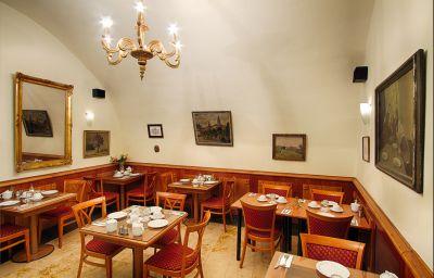 Clementin_Old_Town-Prague-Buffet-258312.jpg