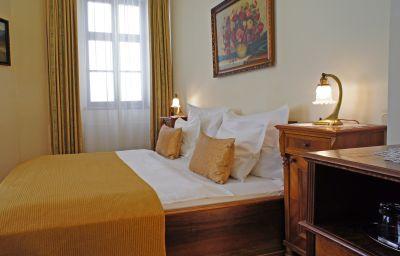 Double room (standard) Grand Praha