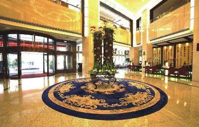 Yi_He-Yiwu-Hotelhalle-3-259716.jpg