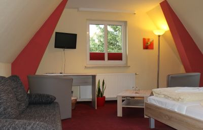 Hotel_Am_Park_Pasewalk-Pasewalk-Doppelzimmer_Komfort-1-260502.jpg