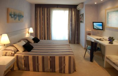 Mediterraneo_Sitges_Hotel_Apartments-Sitges-Double_room_standard-1-350060.jpg