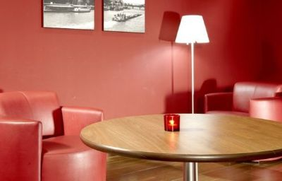 Bar del hotel Campanile MLV - Bussy St Georges