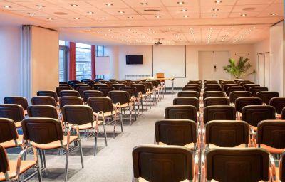 ibis_Bucuresti_Palatul_Parlamentului-Bucharest-Conference_room-2-353180.jpg