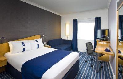 Holiday_Inn_Express_BRISTOL_-_NORTH-Bristol-Room-14-365362.jpg